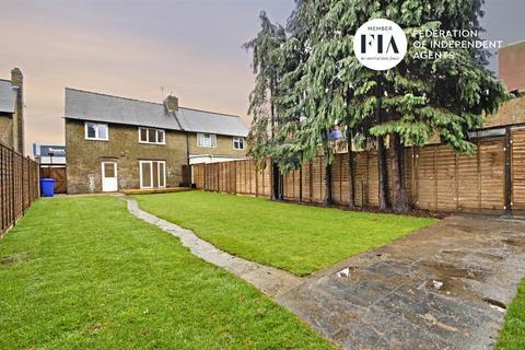 3 bedroom semi-detached house for sale - Ealing Road, Brentford
