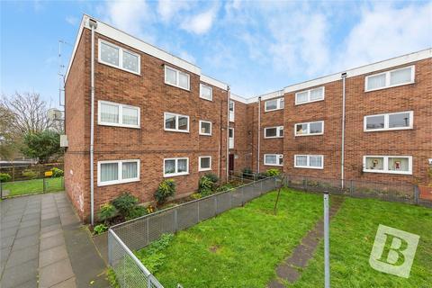 3 bedroom apartment for sale - Folkestone Road, London, E6
