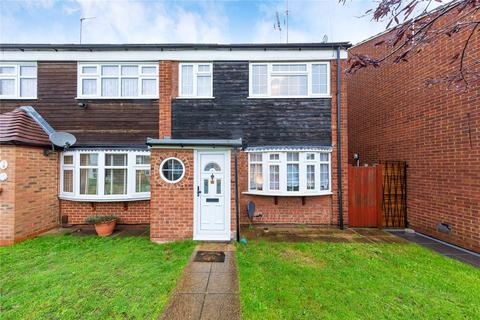 3 bedroom end of terrace house for sale - Peregrine Walk, Hornchurch, RM12
