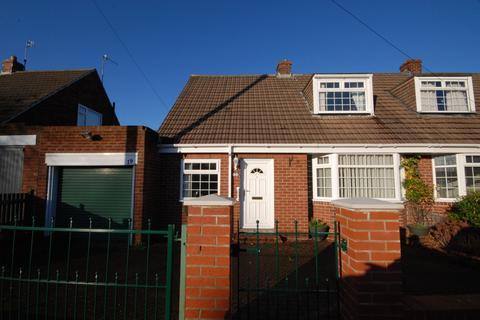 3 bedroom bungalow for sale - Laburnum Avenue, Heworth