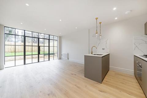 2 bedroom flat for sale - Granville Gardens, W5
