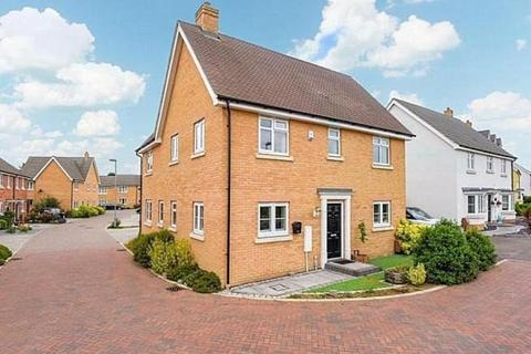 4 bedroom detached house for sale - Cowlin Mead, Chelmsford, CM1 4FJ