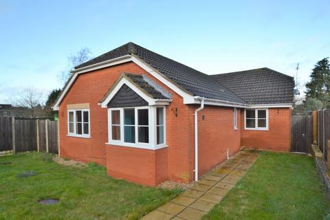3 bedroom detached bungalow for sale - Bellview Close, Briston