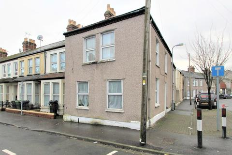 2 bedroom end of terrace house for sale - Lyndhurst St, Cardiff, CF11