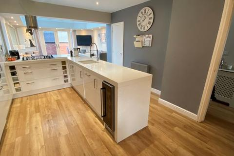 4 bedroom townhouse for sale - Ladybank Avenue, Fulwood Preston