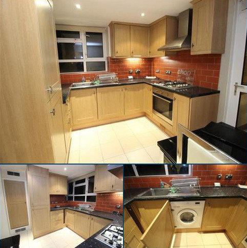 2 bedroom flat to rent - Longbridge Rd, Barking, Essex IG11
