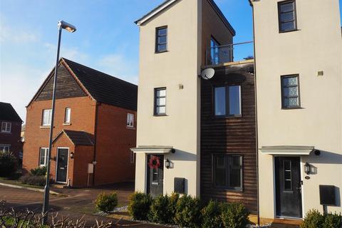 2 bedroom end of terrace house for sale - Wensleydale Crescent, Oakridge Park, Milton Keynes