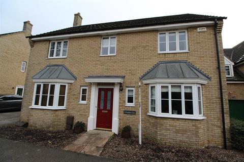 4 bedroom detached house for sale - Fieldfare Close, Stowmarket
