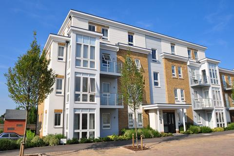 2 bedroom apartment for sale - Kingfisher Drive, Maidenhead