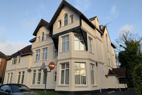 Studio to rent - Westbourne BH4