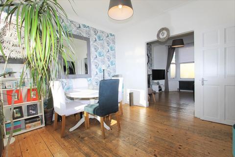 3 bedroom house to rent - Grosvenor Road, London, N9