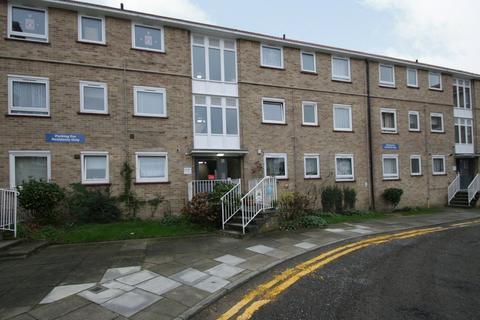 2 bedroom apartment to rent - Links Side, Oakwood, EN2