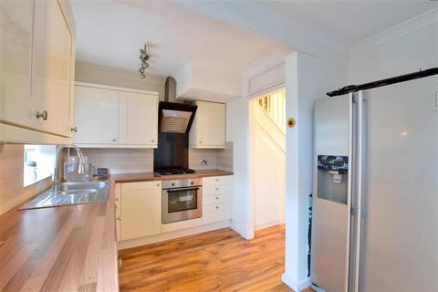 3 bedroom semi-detached house for sale - Welbeck Avenue, Tunbridge Wells, Kent
