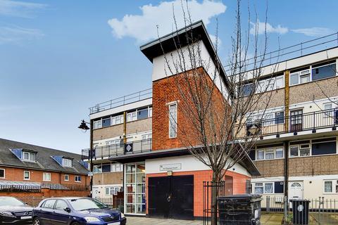 3 bedroom apartment for sale - Lake Road, London, E10