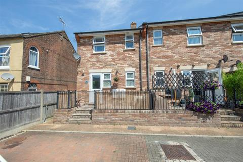 2 bedroom end of terrace house for sale - Hudson Court, Victoria Street, Dunstable