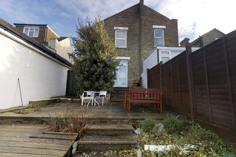 7 bedroom house share to rent - King Edward Road