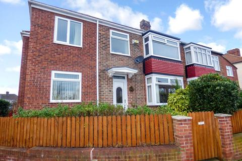 4 bedroom semi-detached house for sale - Waltham Avenue, Fairfield, Stockton-on-Tees, Cleveland, TS18 5AE