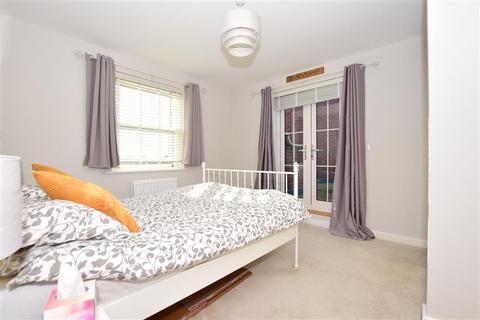 1 bedroom flat for sale - Avocet Way, Finberry, Ashford, Kent