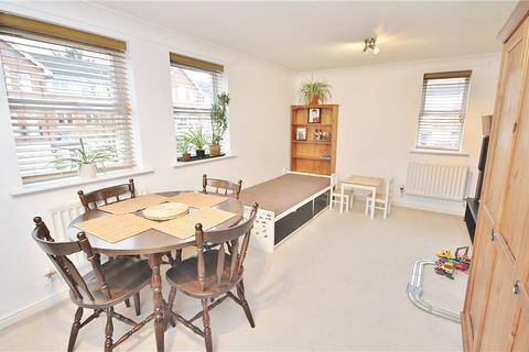 2 bedroom apartment to rent - Bowater Gardens, Lower Sunbury, TW16
