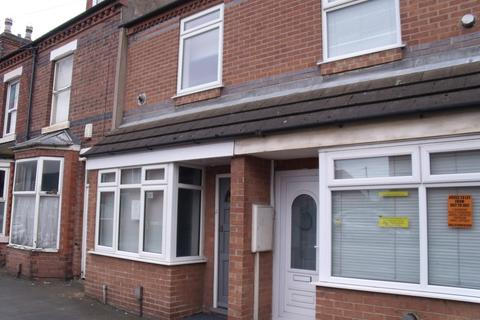 3 bedroom terraced house to rent - Claude Street, Dunkirk, Lenton, Nottingham NG7