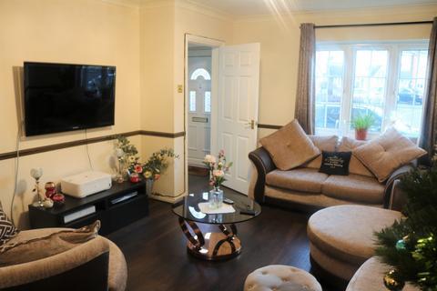 3 bedroom semi-detached house for sale - Heathfield Park Drive, Chadwell Heath, RM6