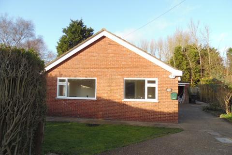 4 bedroom bungalow to rent - Sea Road, Chapel St Leonards, Skegness