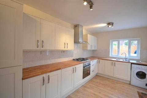 4 bedroom terraced house to rent - Braemar Road, Plaistow, London
