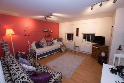 2 bedroom apartment to rent - Gilbert Close, Nottingham NG5 5UR
