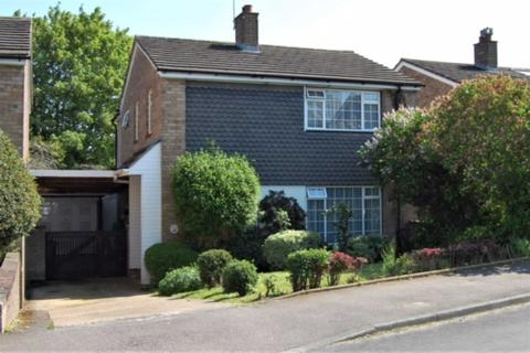4 bedroom detached house for sale - OVER 1350 Sq Ft in LEVERSTOCK GREEN with PARKING & GARAGE