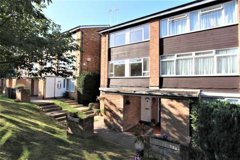 3 bedroom maisonette to rent - Ashdown Drive, Borehamwood, WD6