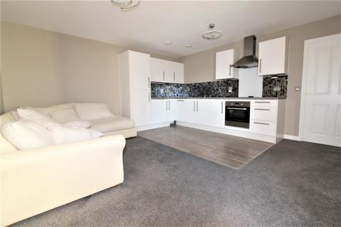 2 bedroom flat to rent - Manor Way, Borehamwood, WD6