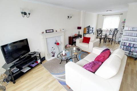 3 bedroom terraced house to rent - The Limes, Wittering, Peterborough, PE8 6BQ