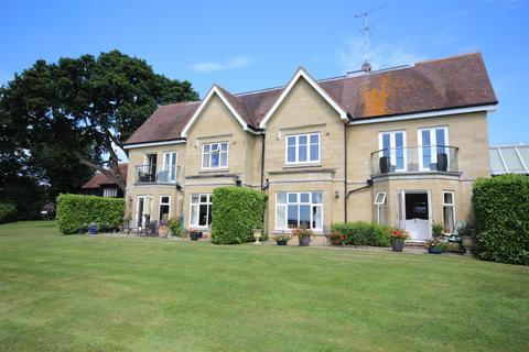 3 bedroom apartment for sale - Brighton Road, Shermanbury, West Sussex