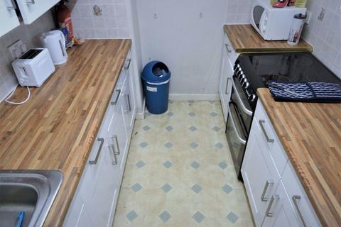 3 bedroom flat to rent - Holly Bank