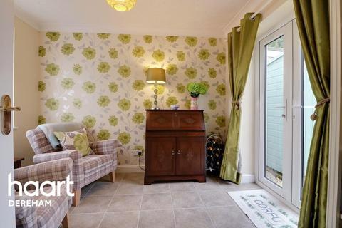 3 bedroom bungalow for sale - Boyd Avenue, Dereham