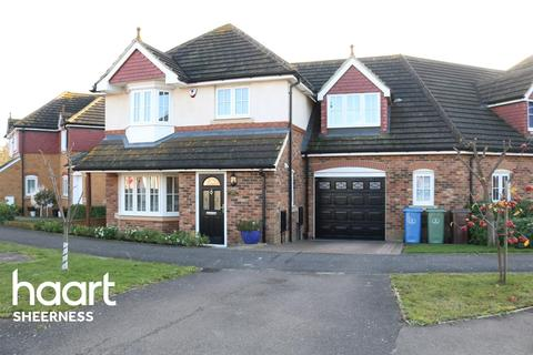 4 bedroom semi-detached house for sale - Larch End, Minster on Sea