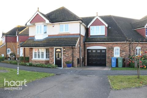 4 bedroom semi-detached house for sale - Larch End, Sheerness