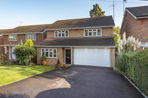 4 bedroom detached house for sale - Yester Drive, Chislehurst
