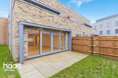 2 bedroom apartment for sale - Garratt Lane, LONDON
