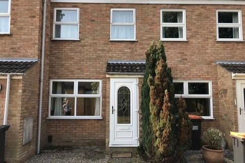 2 bedroom terraced house to rent - Crediton Close, Bedford