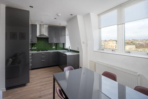 2 bedroom flat for sale - Jubilee Heights, 1 Shoot Up Hill, London, NW2