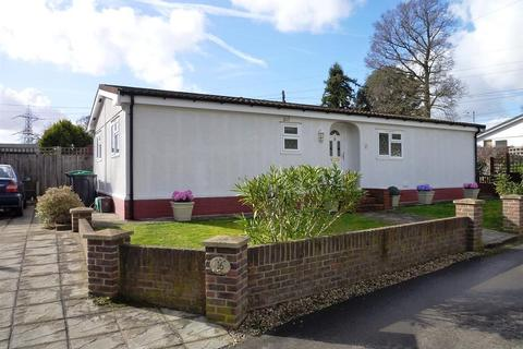2 bedroom mobile home for sale - Riverhill , Worcester Park, Surrey. KT4 7QB