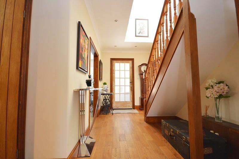 Hallway extra photo