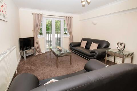 2 bedroom apartment to rent - Sandown Court, Worth, Crawley