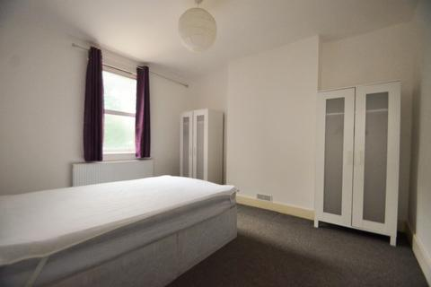 4 bedroom house share to rent - Eccleston Road, Ealing, W13 0RA