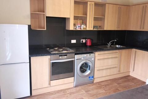 1 bedroom flat to rent - Christchurch Road, Pokesdown, Bournemouth BH7