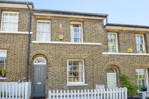 2 bedroom terraced house to rent - Maidenstone Hill London SE10
