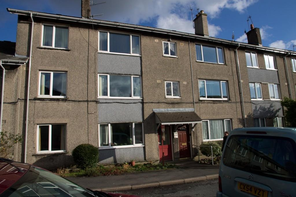 2 Bedrooms Flat for sale in 119 Mary Fell, Sedbergh, Cumbria, LA10 5AW
