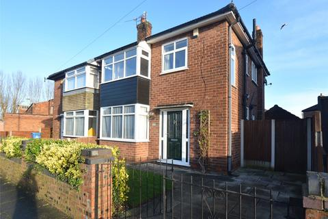 3 bedroom semi-detached house for sale - Barton Road, Stretford, Manchester, Greater Manchester, M32