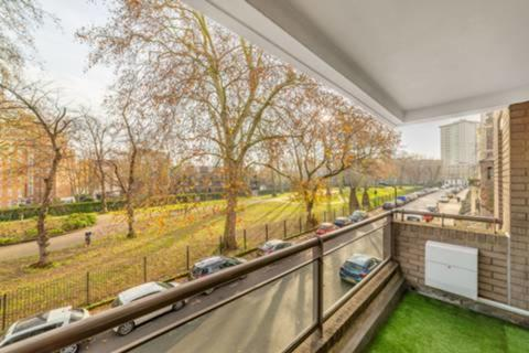 3 bedroom apartment to rent - Oakley Square, Mornington Crescent, NW1